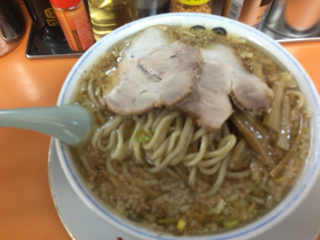 長岡市の安福亭神田店でかなりこってりで背脂ガッツリの老麺と書いてラーメン食べた
