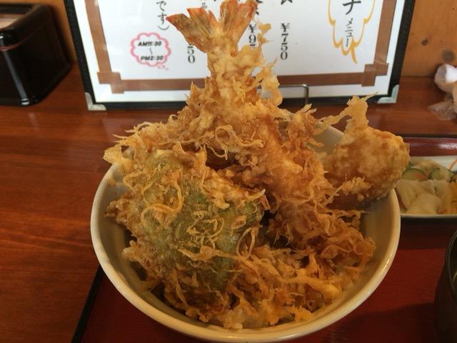 新潟市中央区にある寄ってけ亭で天丼食べた