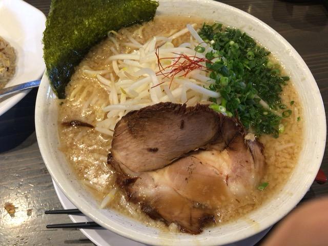 新潟市西区にあるラーメン店 八起で食べた