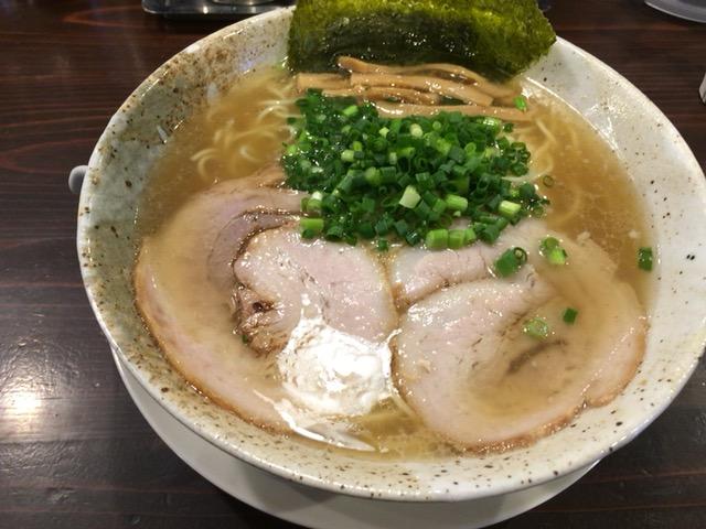 新潟市西区にある 麺や吉風であっさりラーメン食べた
