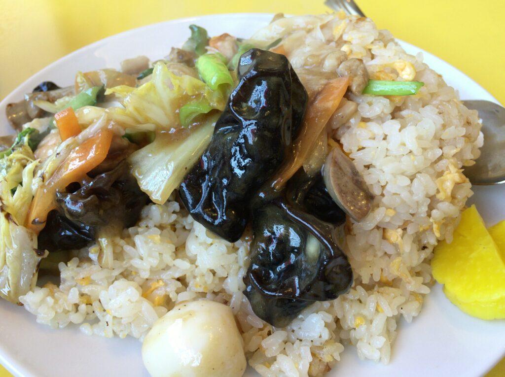 新潟市東区にある長江飯店で五目チャーハン食べた