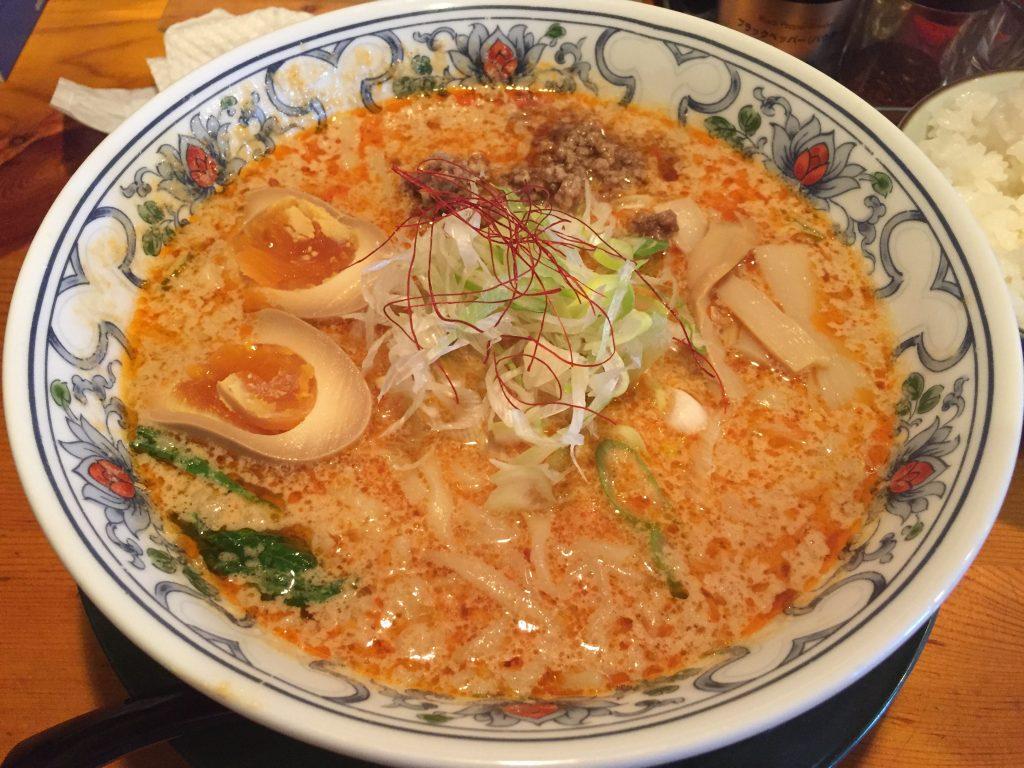 新潟市中央区にある麺屋極一で背脂担々麺食べた