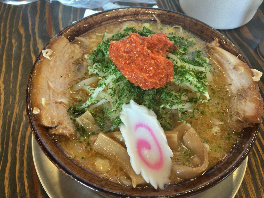 新発田市にある満月で辛味噌らーめん食べた
