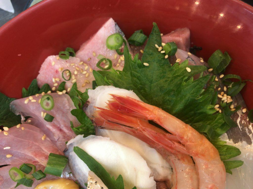 新潟市中央区本町の古川鮮魚で海鮮丼食べてきた
